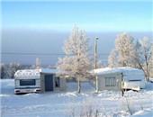 冬天来了让我们乘着房车滑雪去吧!