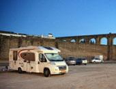 房车家族欧亚之旅 入驻西班牙Sangulí salou露营地