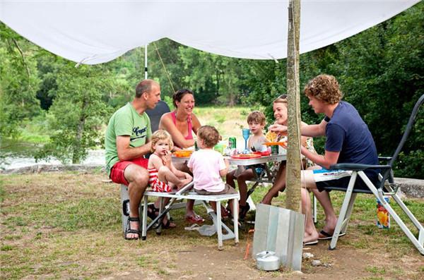 法国阿尔代什湖畔型五星级露营地Lardechois