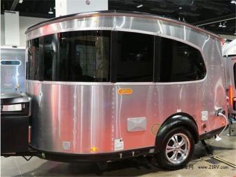 2017美国房车发展趋势:轻型露营拖挂房车