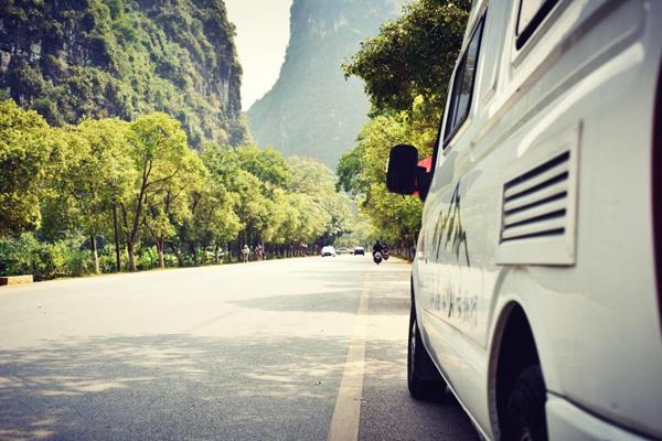 不上班不上学陪你房车环游大西北 初次造访桂林山水