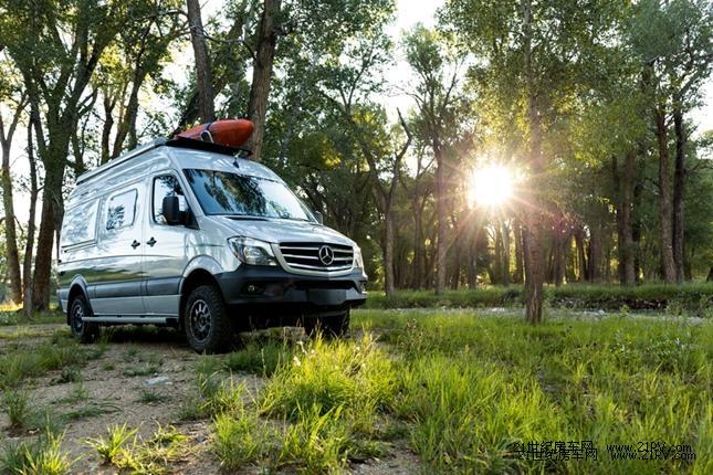 四驱越野 Winnebago发布全新露营车Revel