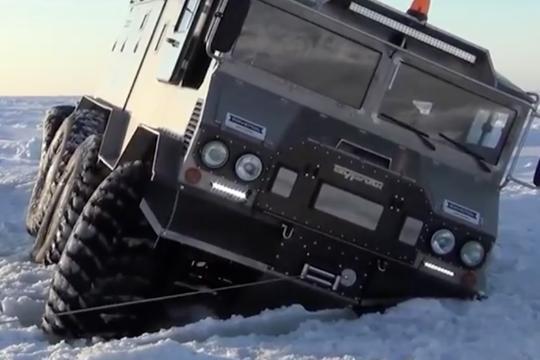 神级户外露营车 横跨南极冰面及海洋