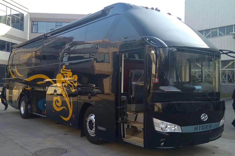 季候风发布338万起售的超级豪华大巴房车