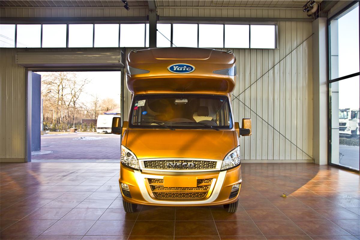 亚特依维柯尊享型单拓展版房车 现车一台 一口价46万