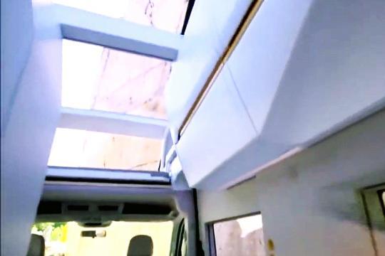 全景大天窗 这是我见过的房车中最好的设计了!