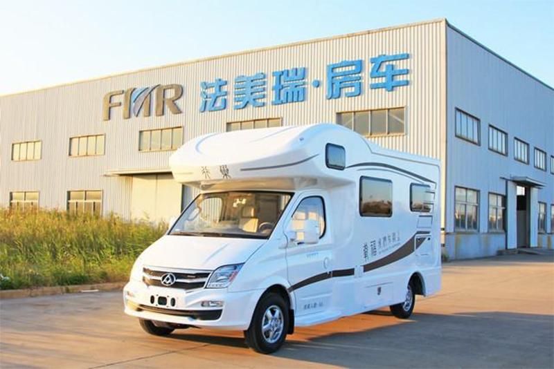38万的C型自动挡房车 法美瑞大通新车北京展会将首发