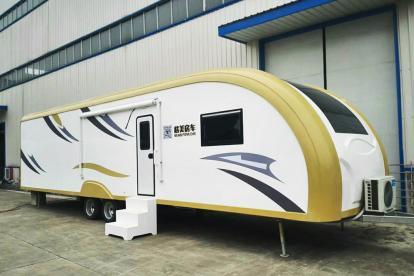 20万起售 浪琴房车北京房车露营展展出2款营地车