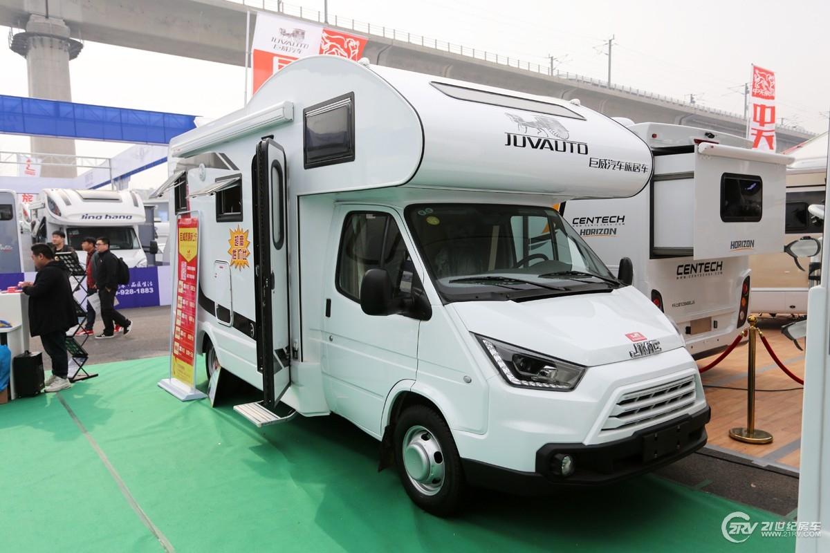 30.98万起 巨威房车两款新车亮相北京国际房车展