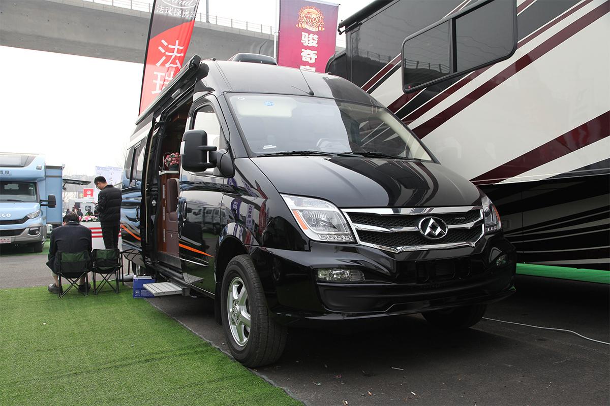 35.8万起售 法瑞德2款全新B型房车于北京房车展发布