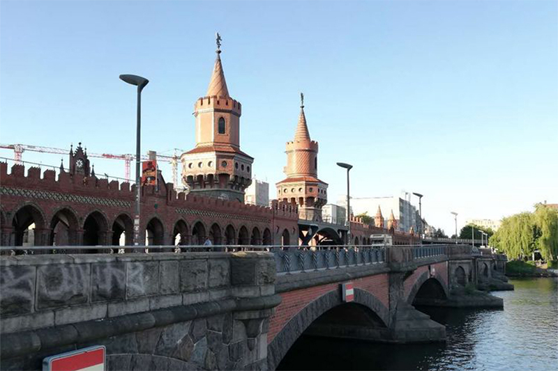 柏林的雕塑和建筑是一道风景 2018亚欧之旅房车自驾游记