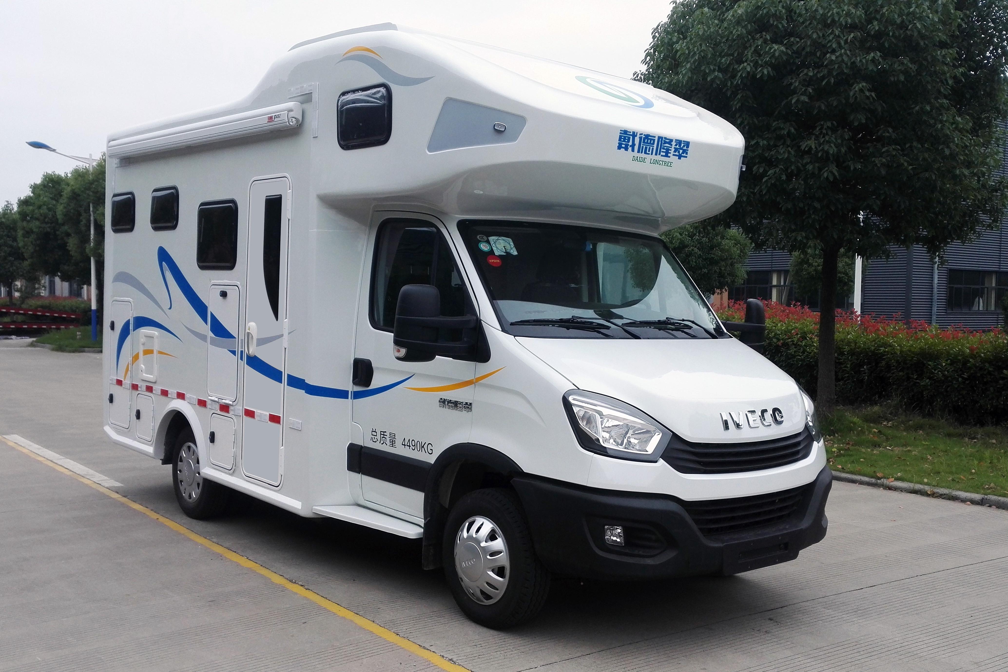 售55.8万 戴德隆翠依维柯全新双拓展车型正式上市