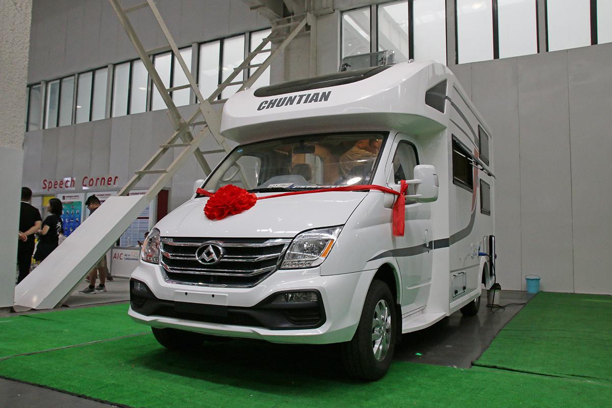 31.88万起售 春田发布全新大通自行式C型房车
