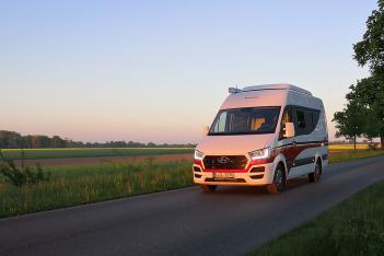 B型房车再加个升降顶 这款现代房车售价高达5.85万欧元