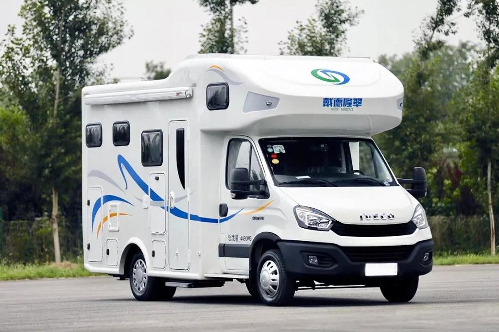 隆翠国产依维柯自动挡房车配置曝光 9月北京房车展首发