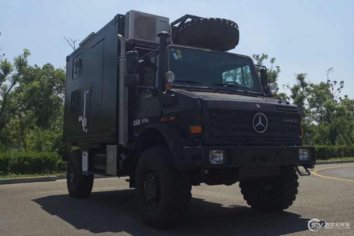 乌尼莫克U4000越野旅居车外观