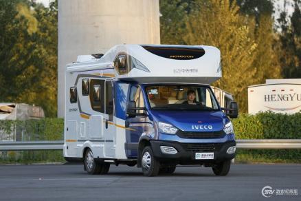 售价56.8万 中天季风优尚款房车于北京房车露营展正式发布