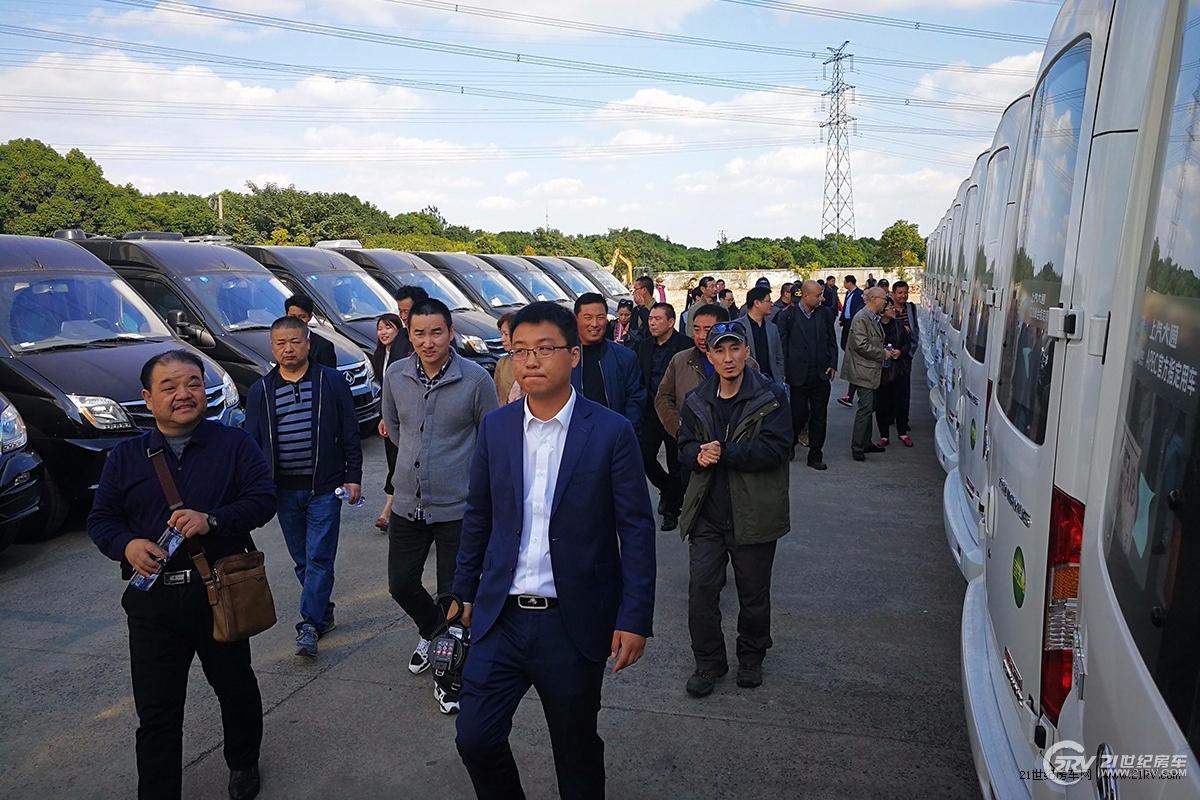 21RV续东看车团报名:11月15日我们一起走进顺旅房车工厂