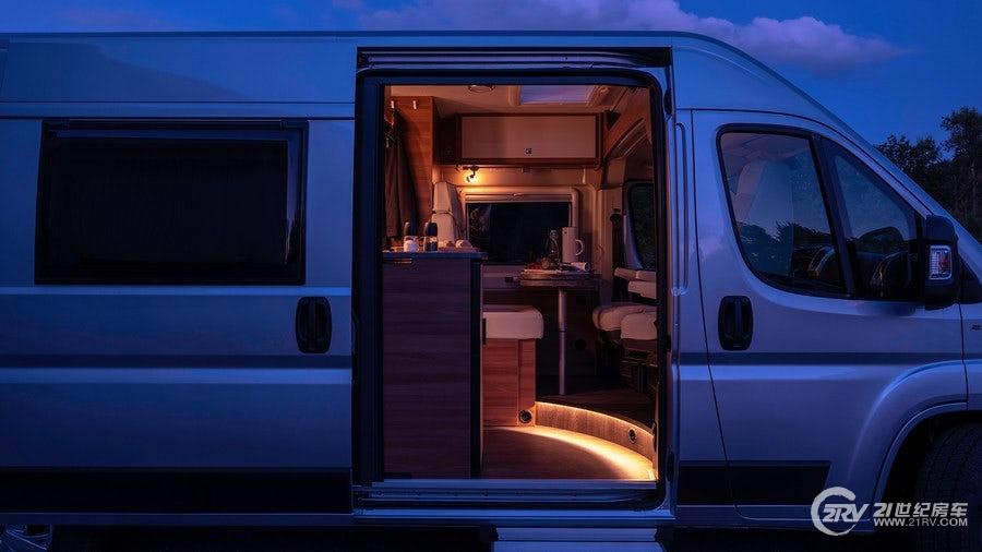 carado-vlow-camper-van-22.jpg
