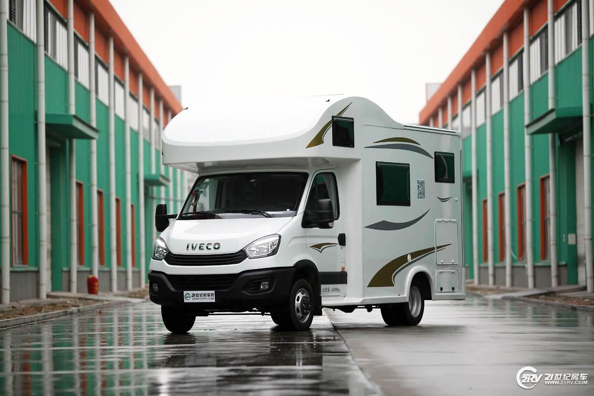 售价仅39.98万元 科发自动挡雪豹房车C型(欧胜)实拍
