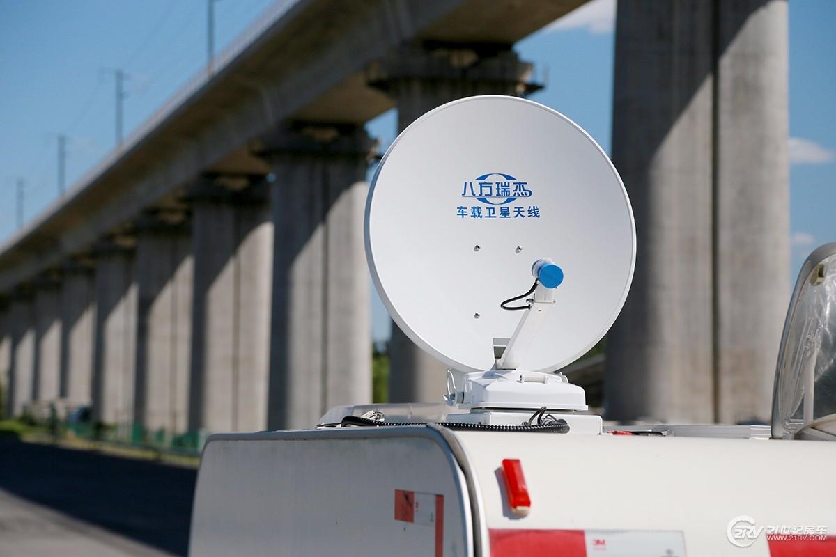 动/静皆可使用 八方瑞杰卫星天线设备一览