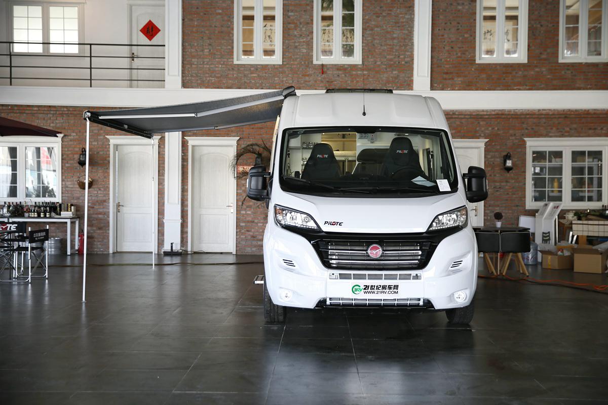 售价76.8万元 湃力特新款原厂纯进口B型房车到店