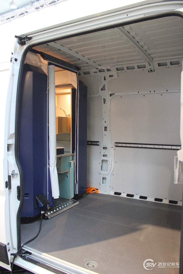 plugvan-camper-module-32.jpg