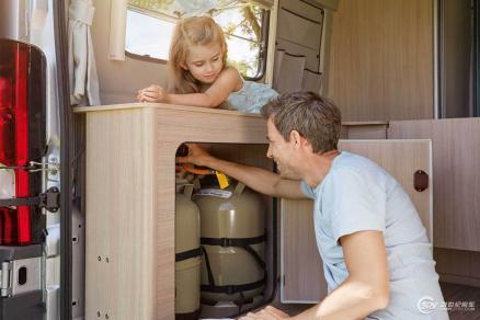 特鲁马展会现场送福利 房车家族会员可享受免费燃气设备检测