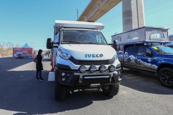 百万级的越野享受 速腾2款全新越野房车亮相北京房车展