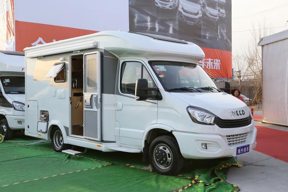 31.8万-48.8万元 雅升房车3款全新车型亮相北京房车展