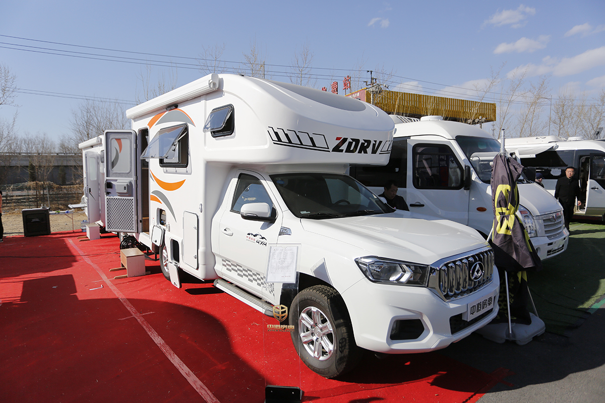 售价35.8-81.8万元 中道房车3款新车亮相北京房车展