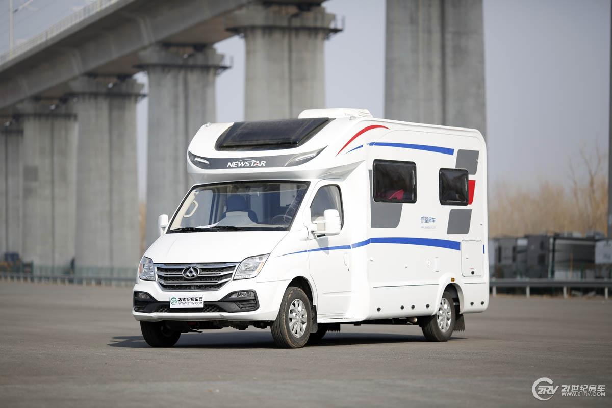 床位数不输标准C型 新星通途T600风尚版房车实拍
