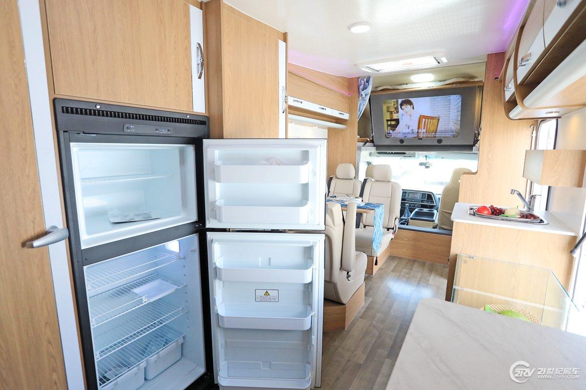 冰淇淋房车生活区