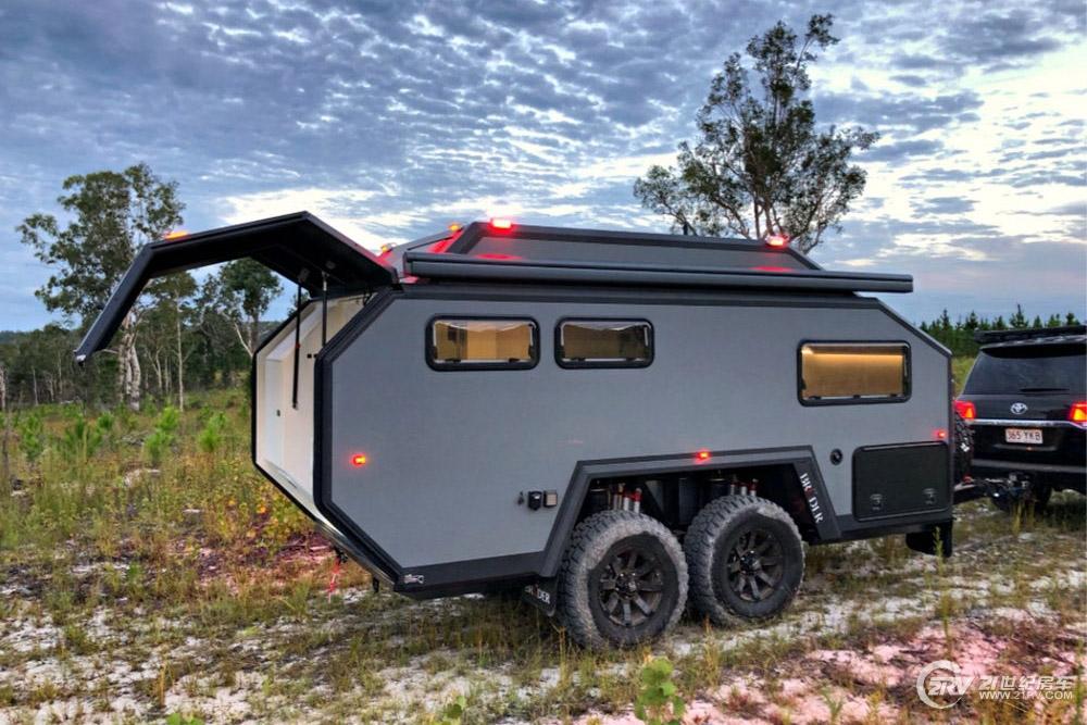 中置双轴+空间悬挂 拖挂房车也能走硬派越野范儿