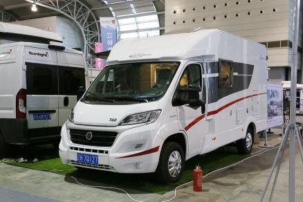 售价79.6万元 朗宸洛德蒙特T60 C型房车亮相上海房车展