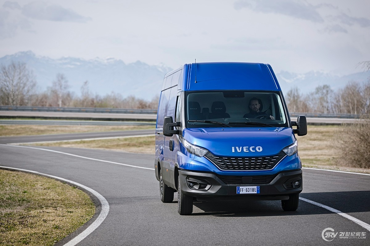2968-02-IVECO-New-Daily-Launch.jpg