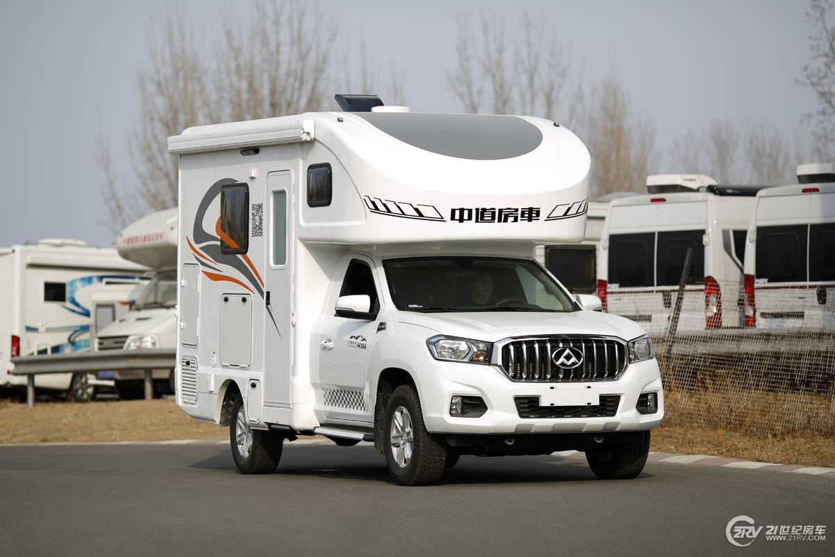 自动挡四驱高配置 两个人的房车旅行利器 中道峻道A3款皮卡房车售价37.8万元
