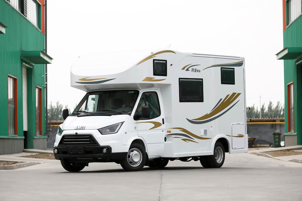 升级款车型售价29.98万元起 科发帅虎C型房车实拍