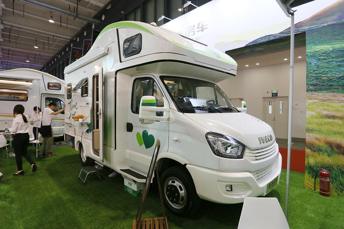 售价56.68万元 铂驰发布旅行家自行式C型房车