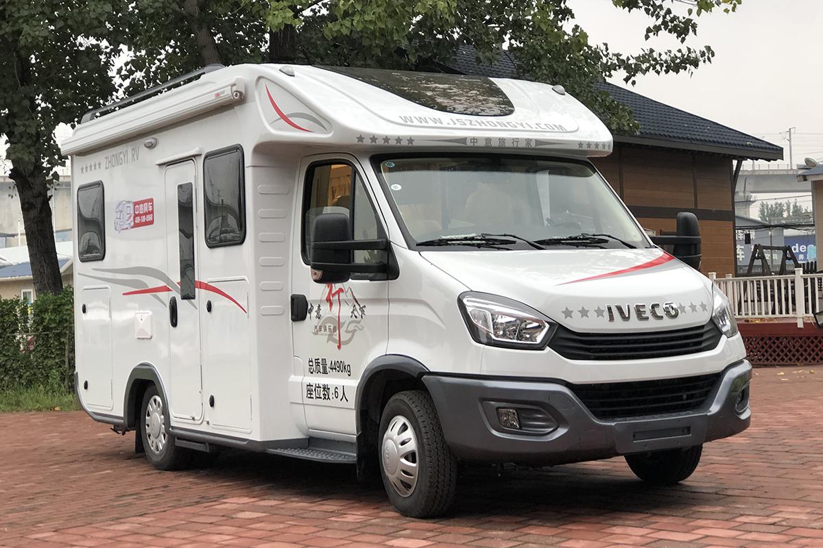 售价45.8万元 中意旅行家C型小额头房车正式发布