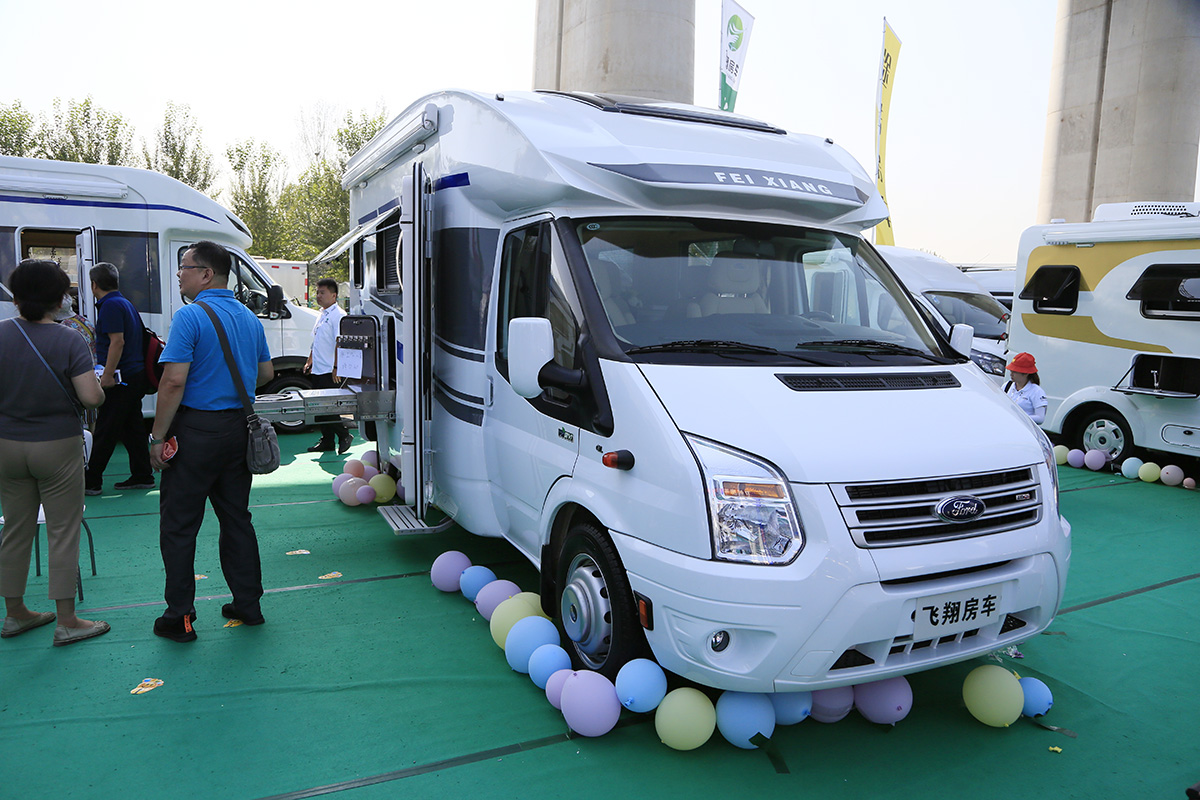 售价39.8万元 飞翔新世代全顺房车亮相北京房车展