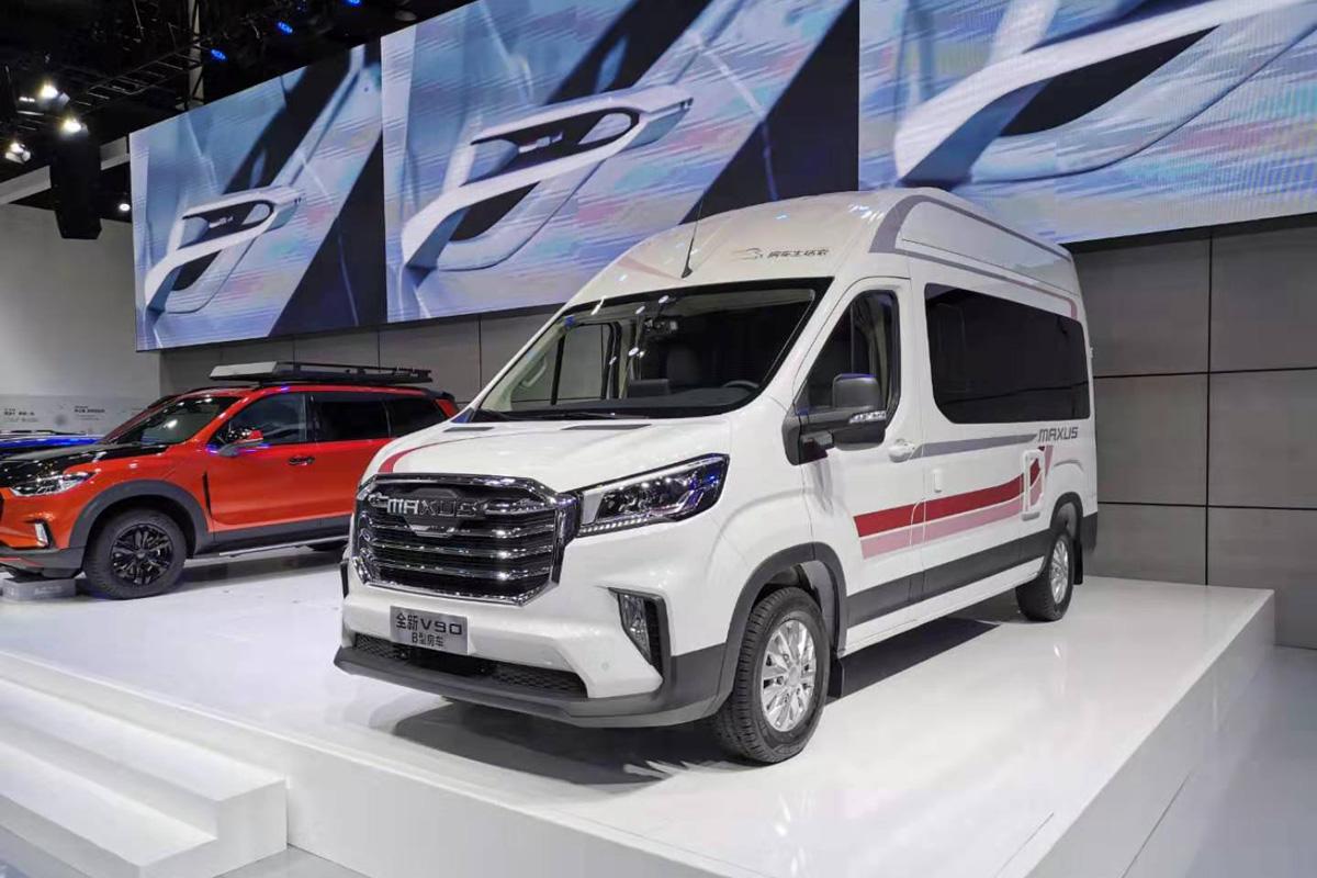 售价33.98万起/全新平台搭自动刹车 上汽大通RV90 B型房车发布