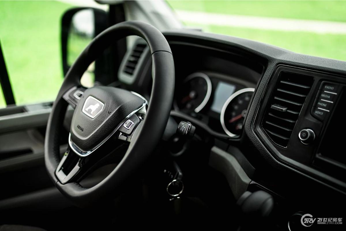 31-VR-Motorhome-MAN-4WD_.jpg
