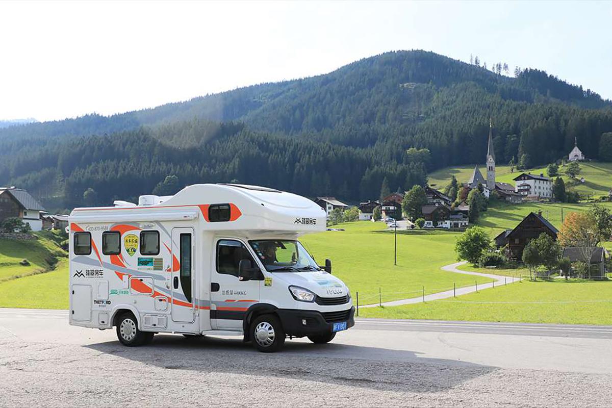 顺利会师慕尼黑 登顶奥地利巅峰雪山 途遇绝美奥地利风情小镇