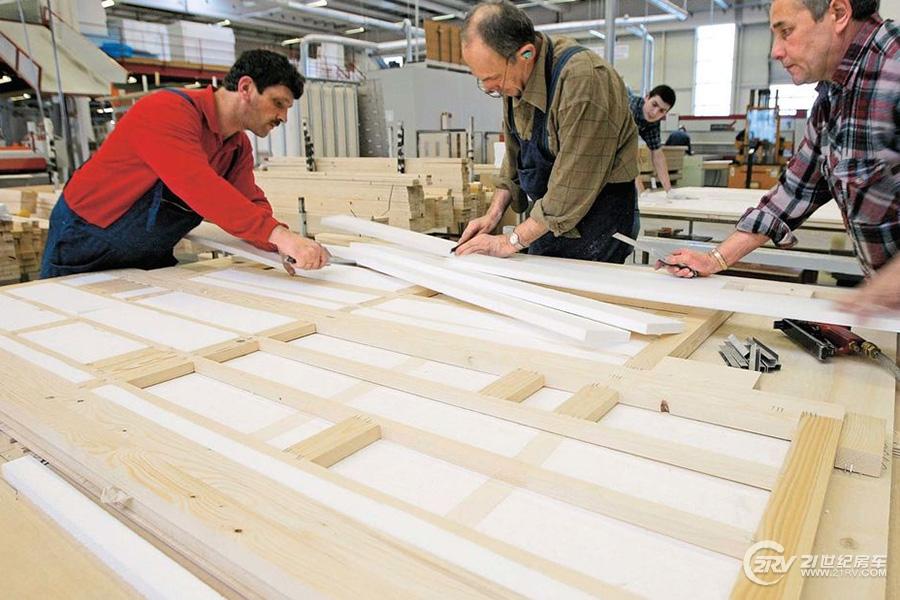 Holzfachwerk-169FullWidth-2547b92e-1172862.jpg