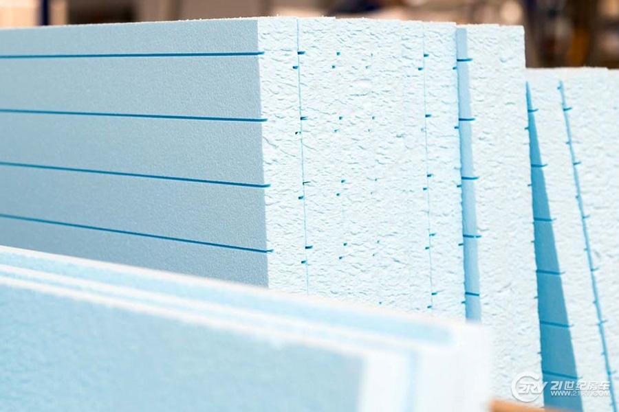Das-Isoliermaterial-XPS-ist-zumeist-blau-eingefaerbt--169FullWidth-938abf44-1018355.jpg