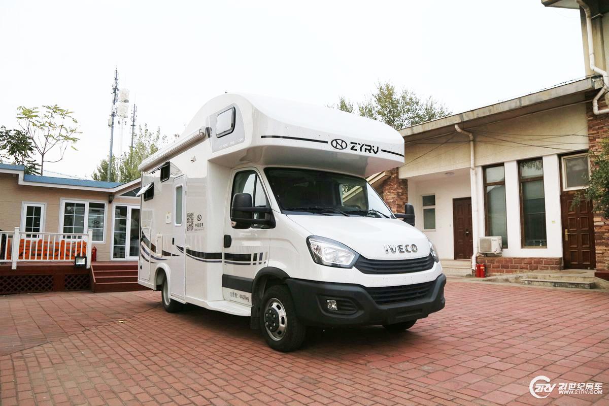 310L水箱 超高性价比 中亚之星A8L依维柯欧胜房车售35.98万