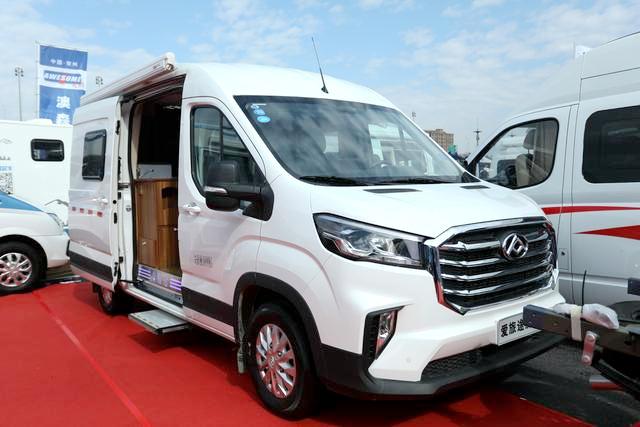 35.8万起售 爱旅途MAXUS V90 B型房车实车亮相