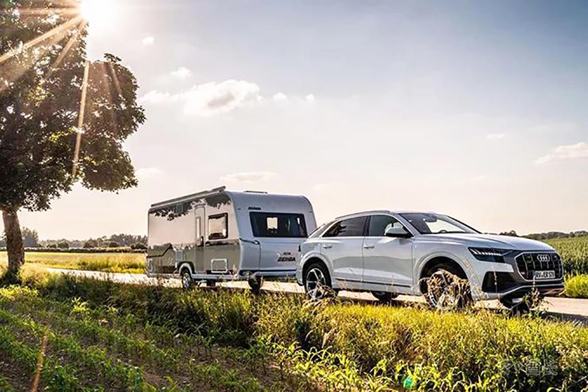方便拖挂 适宜居住 两种外观可选的德国海姆ERIBA NOVA 530拖挂房车