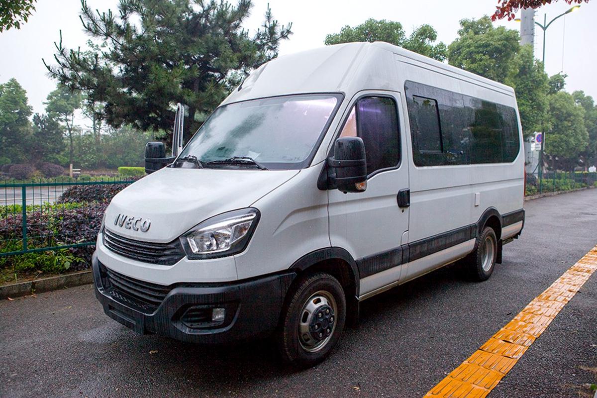 38.4万起售 阿尼亚发布219A依维柯B型房车